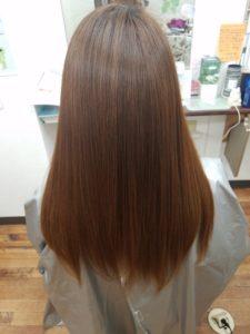 ranaの縮毛矯正とストレートパーマは触りたくなるストレートヘアー